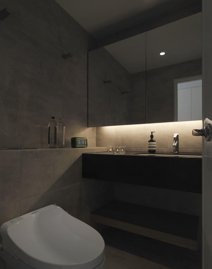 黑白极简现代风卫生间装修效果图