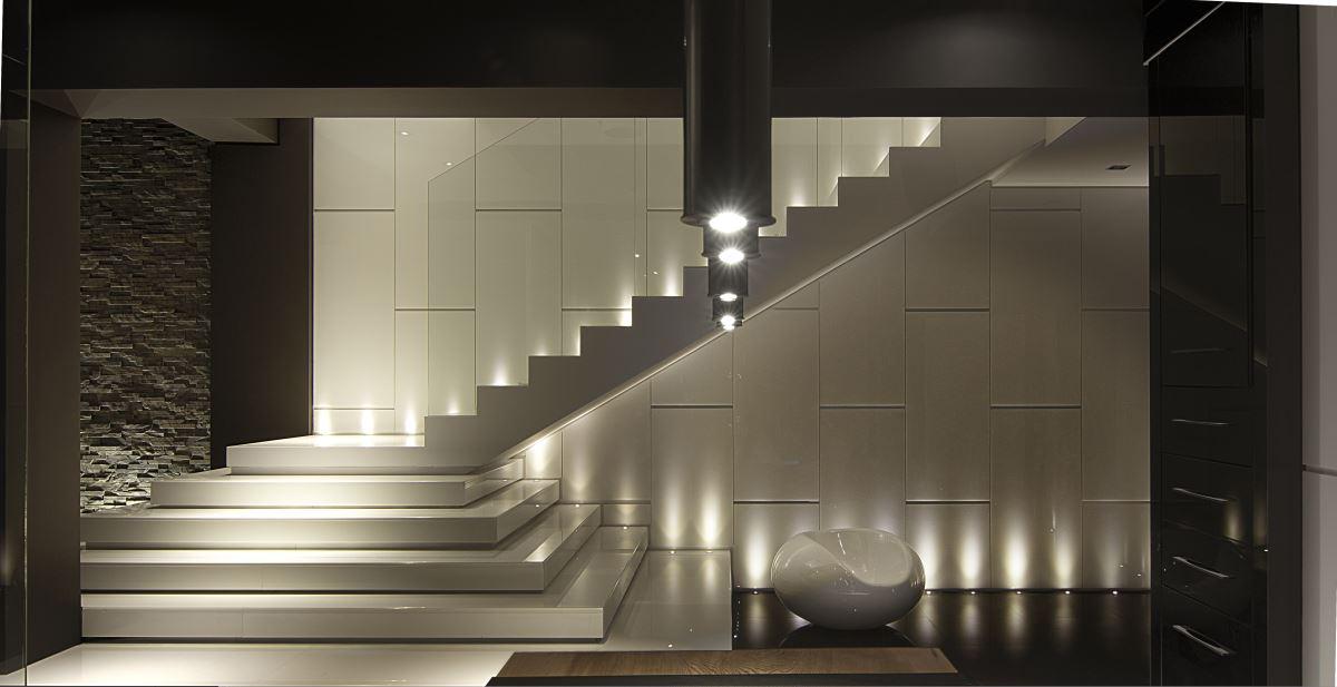 现代风格复式别墅装修楼梯设计图