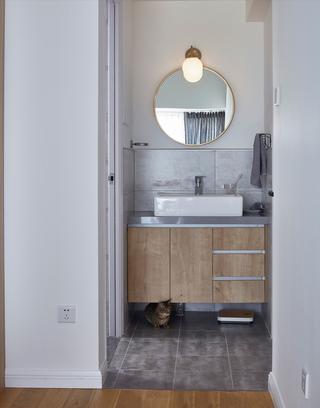 95平北欧风装修浴室柜图片