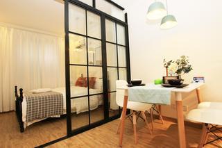 北欧简约三居室公寓装修移门隔断设计图
