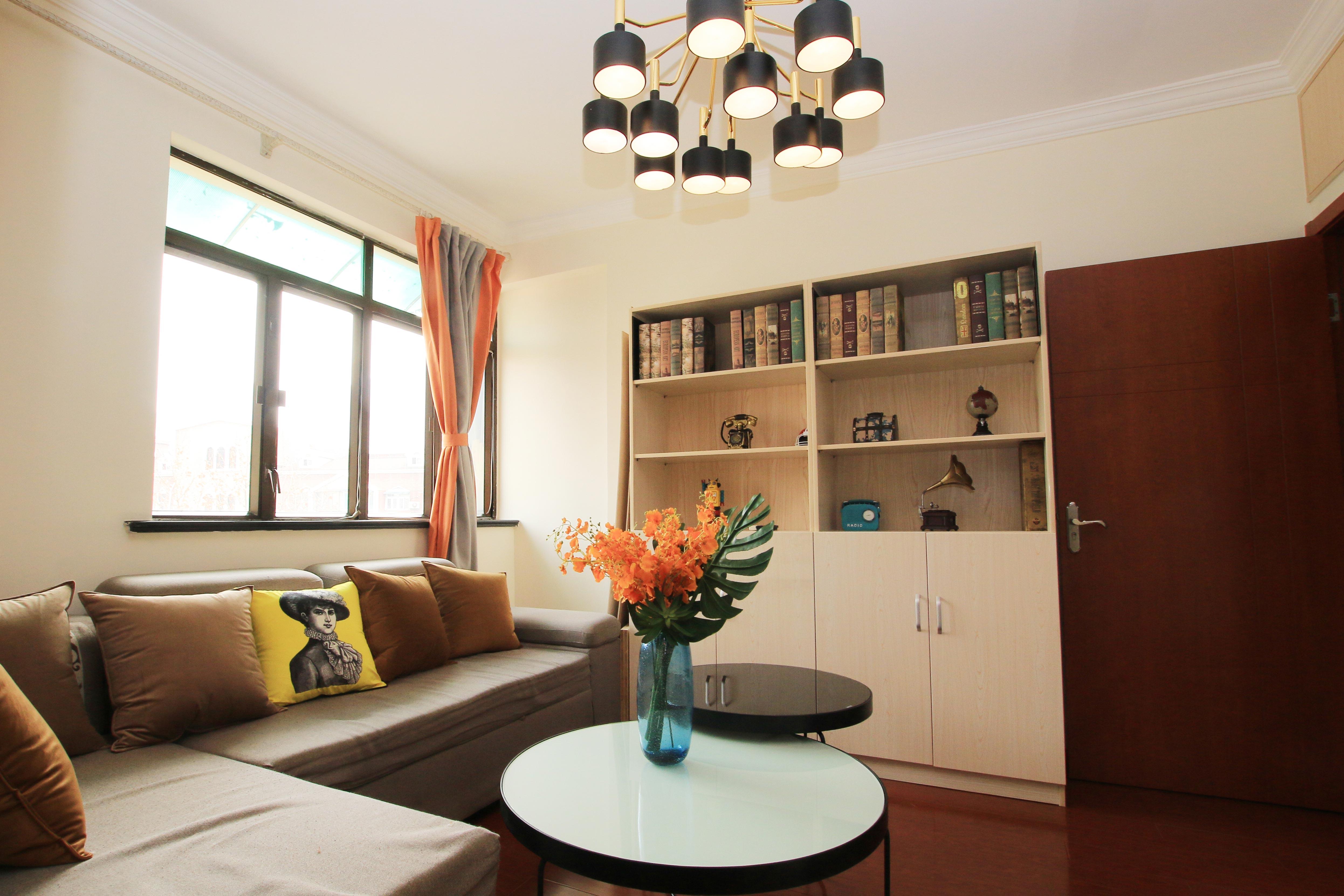 85㎡现代风格二居室装修吊灯设计