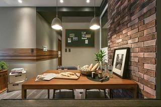 现代混搭风格三居装修餐桌设计图