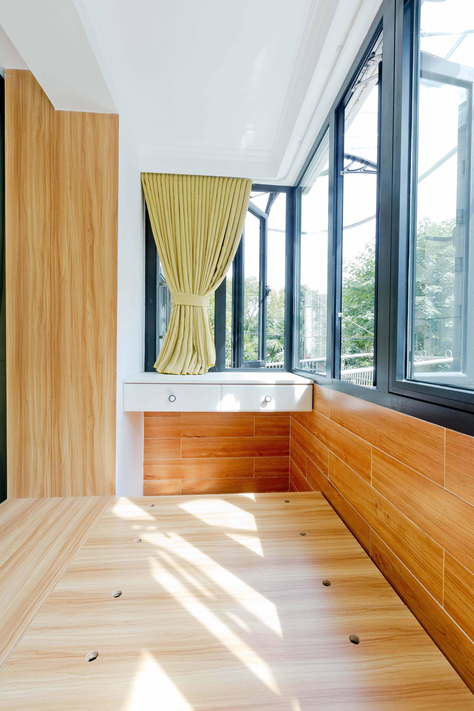 小户型简约一居室阳台装修效果图