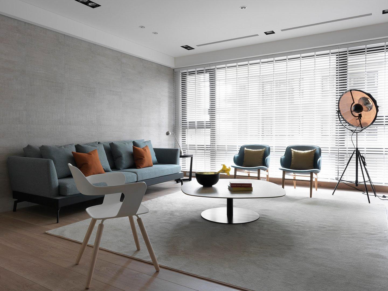 145平现代原木风沙发背景墙装修效果图