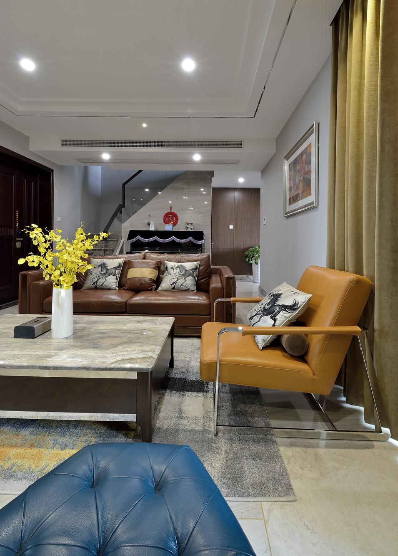 170平现代简约复式装修客厅一角