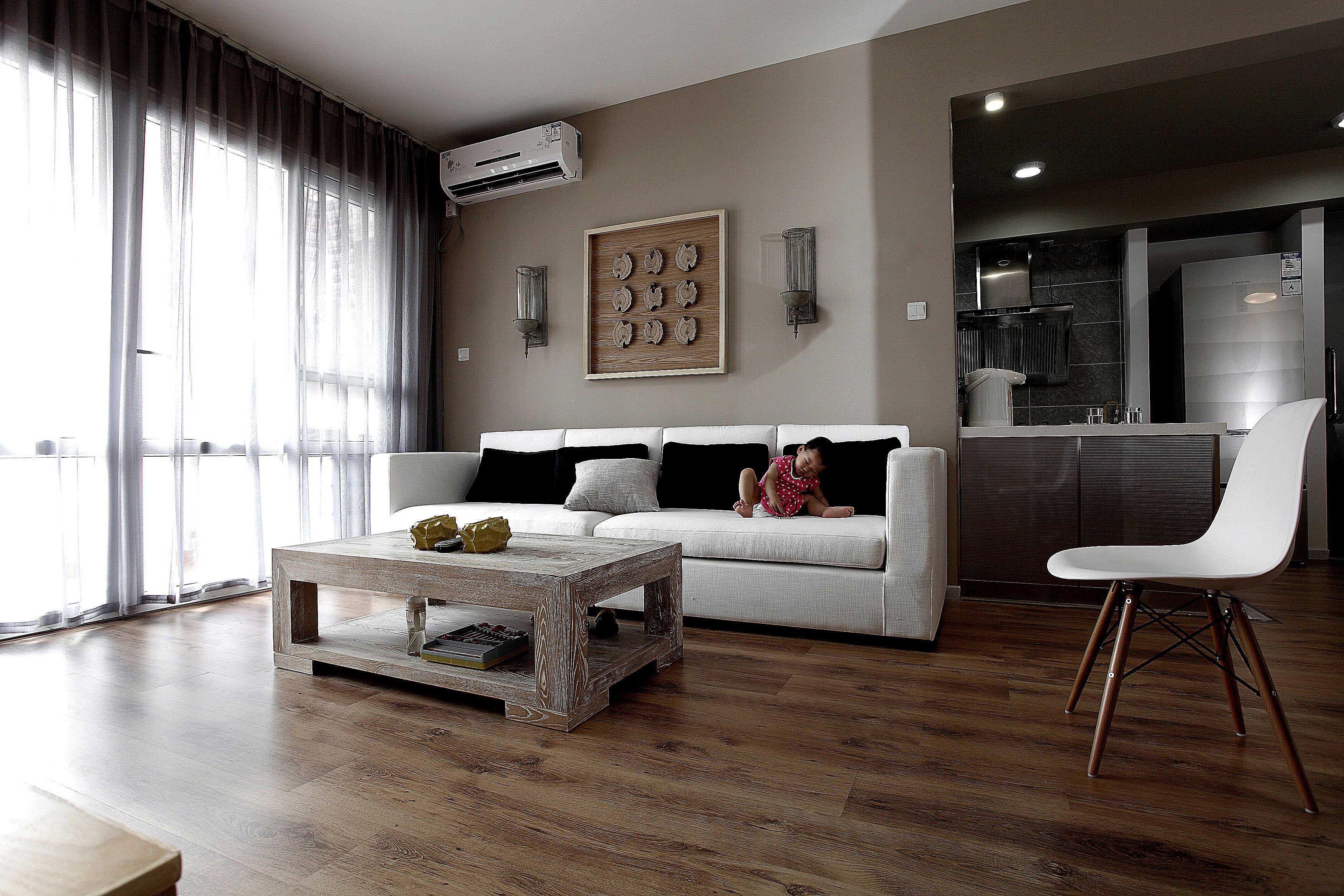 85平北欧风格两居沙发背景墙装修效果图