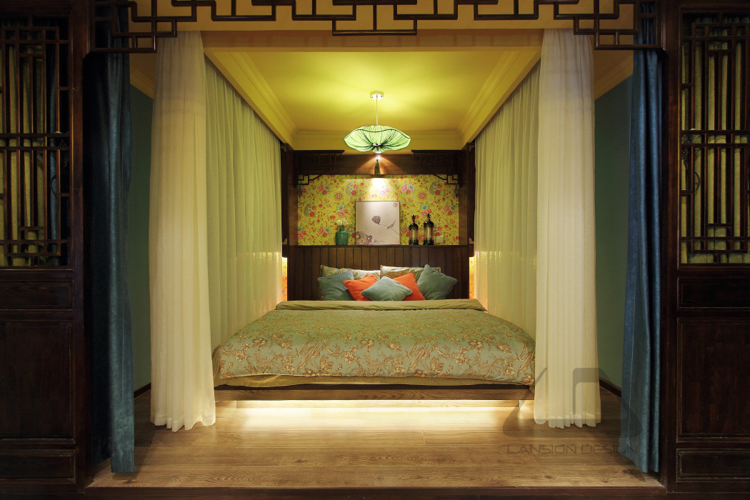 东南亚风格二居室装修卧室背景墙设计图