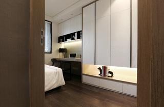 95平现代简约二居装修卧室一角