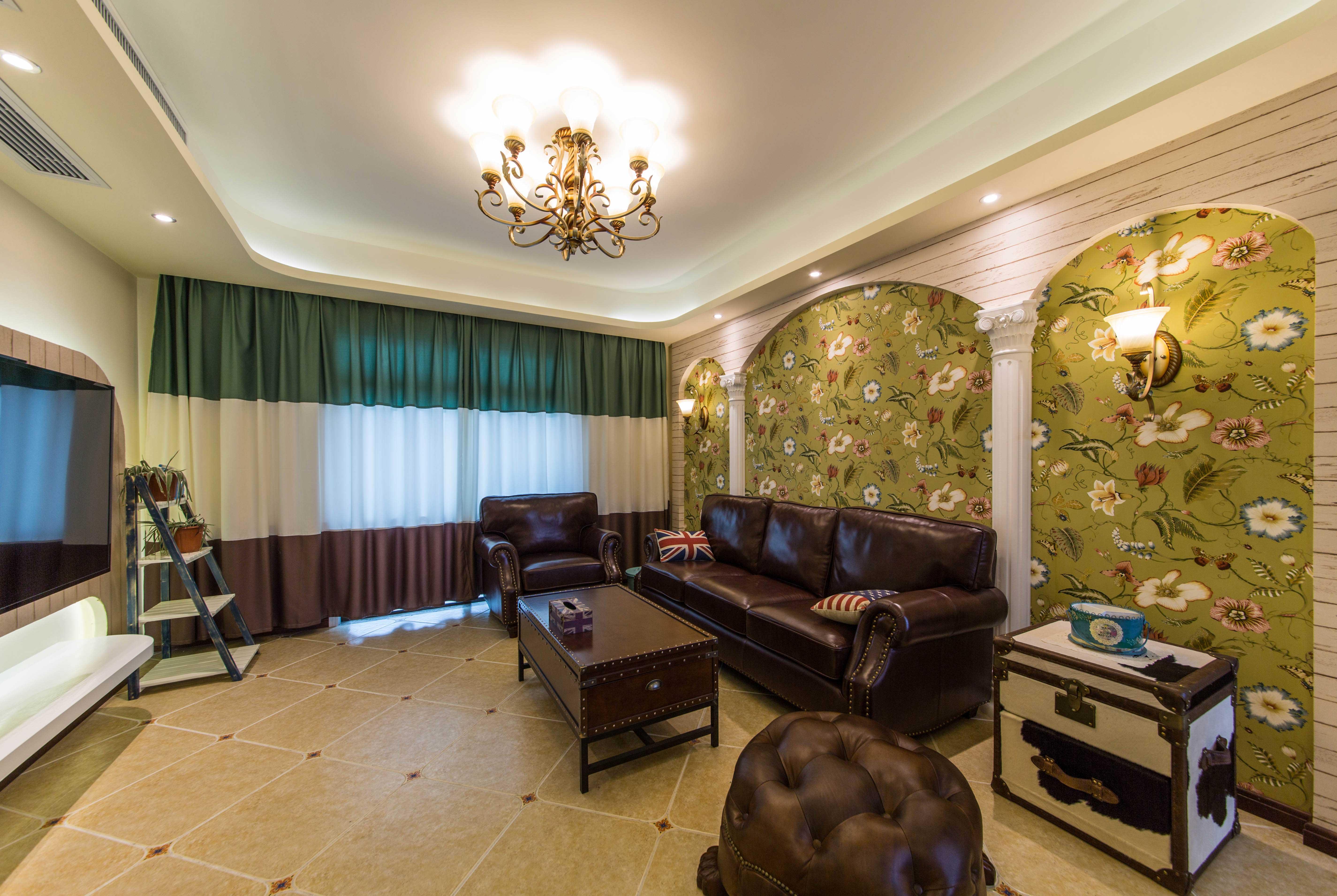 地中海田园三居室沙发背景墙装修效果图