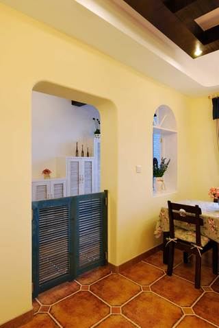 地中海混搭三居装修隔断门设计图
