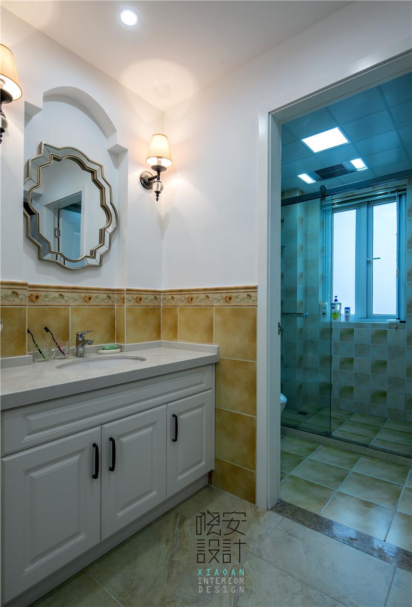 现代美式风格复式装修卫生间效果图