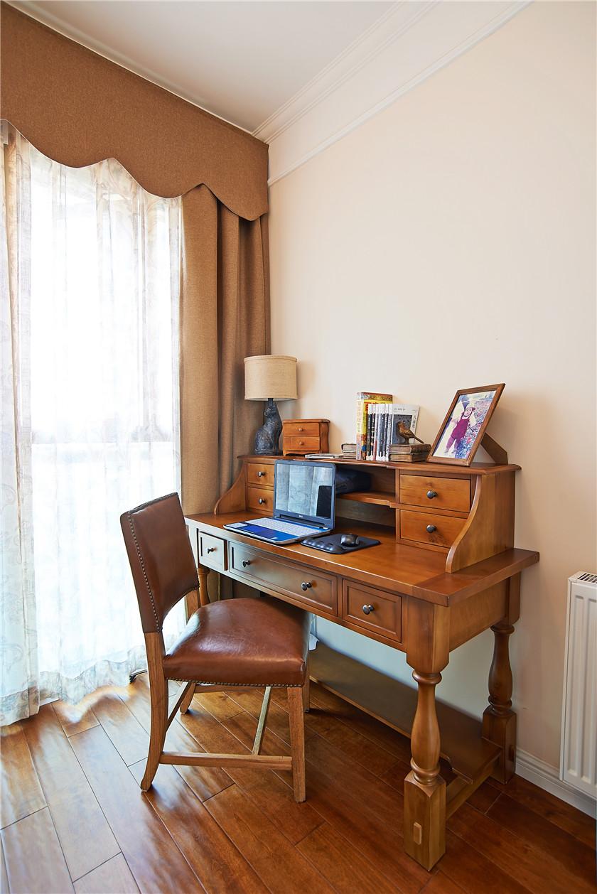 现代简美风格三居装修书桌设计图