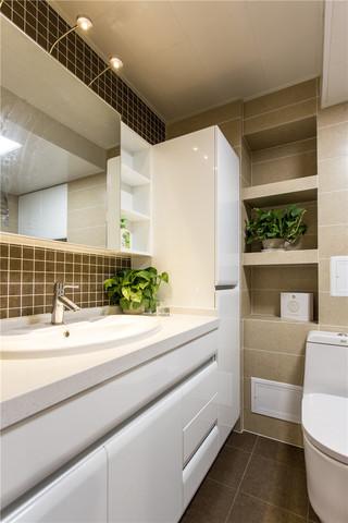 140㎡混搭风格三居装修浴室柜设计图