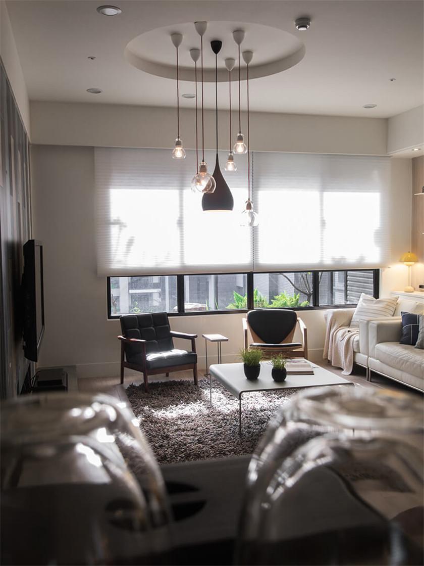 时尚混搭风格二居装修客厅吊灯设计图