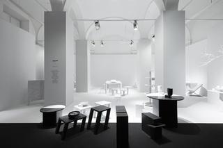黑白极简展厅装修效果图