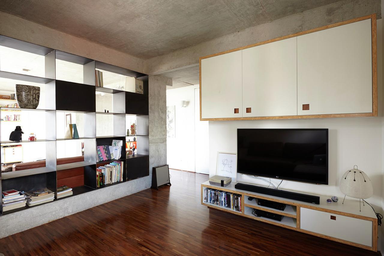 工业风格一居室装修电视柜设计