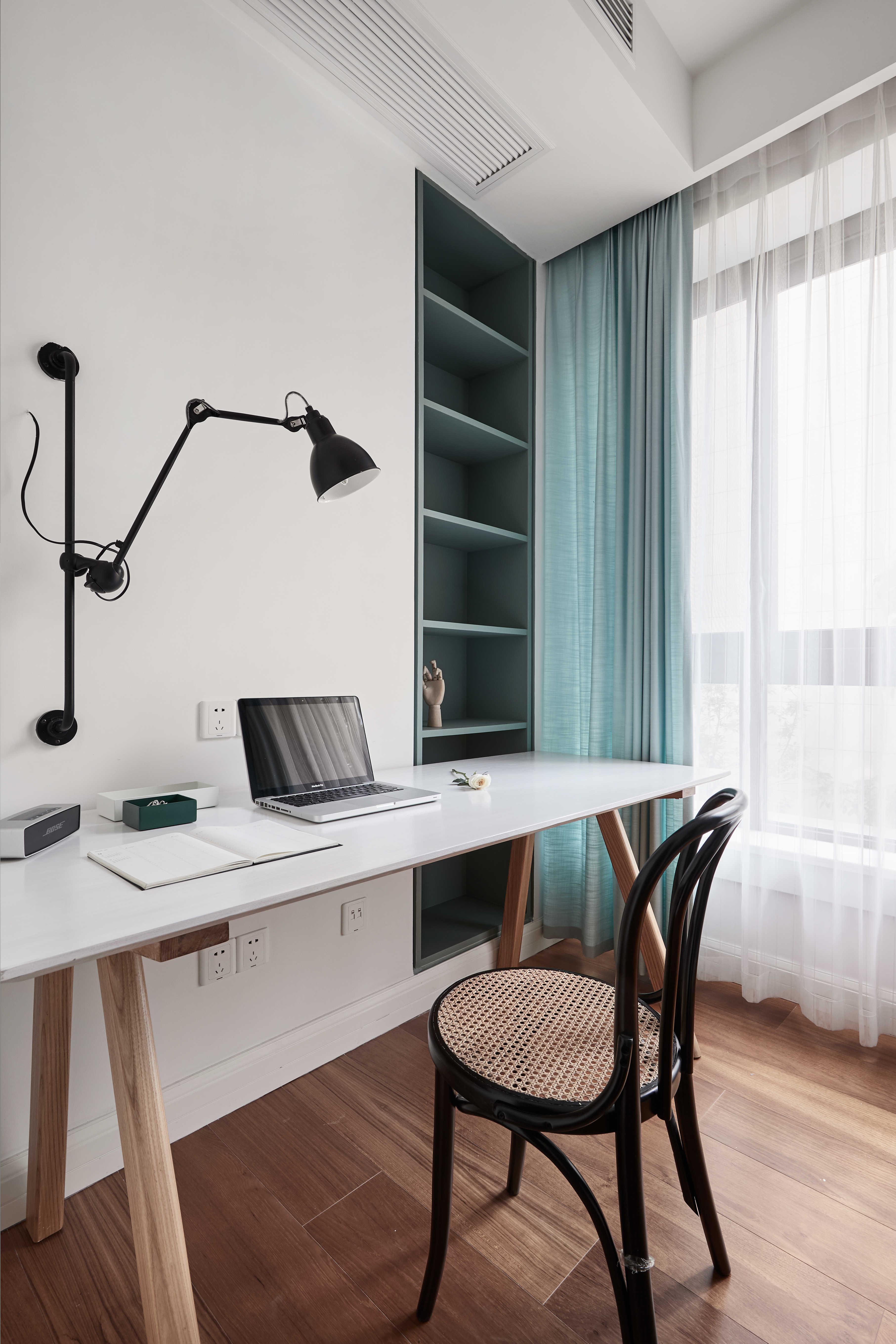 136平自然简约风装修书桌设计图