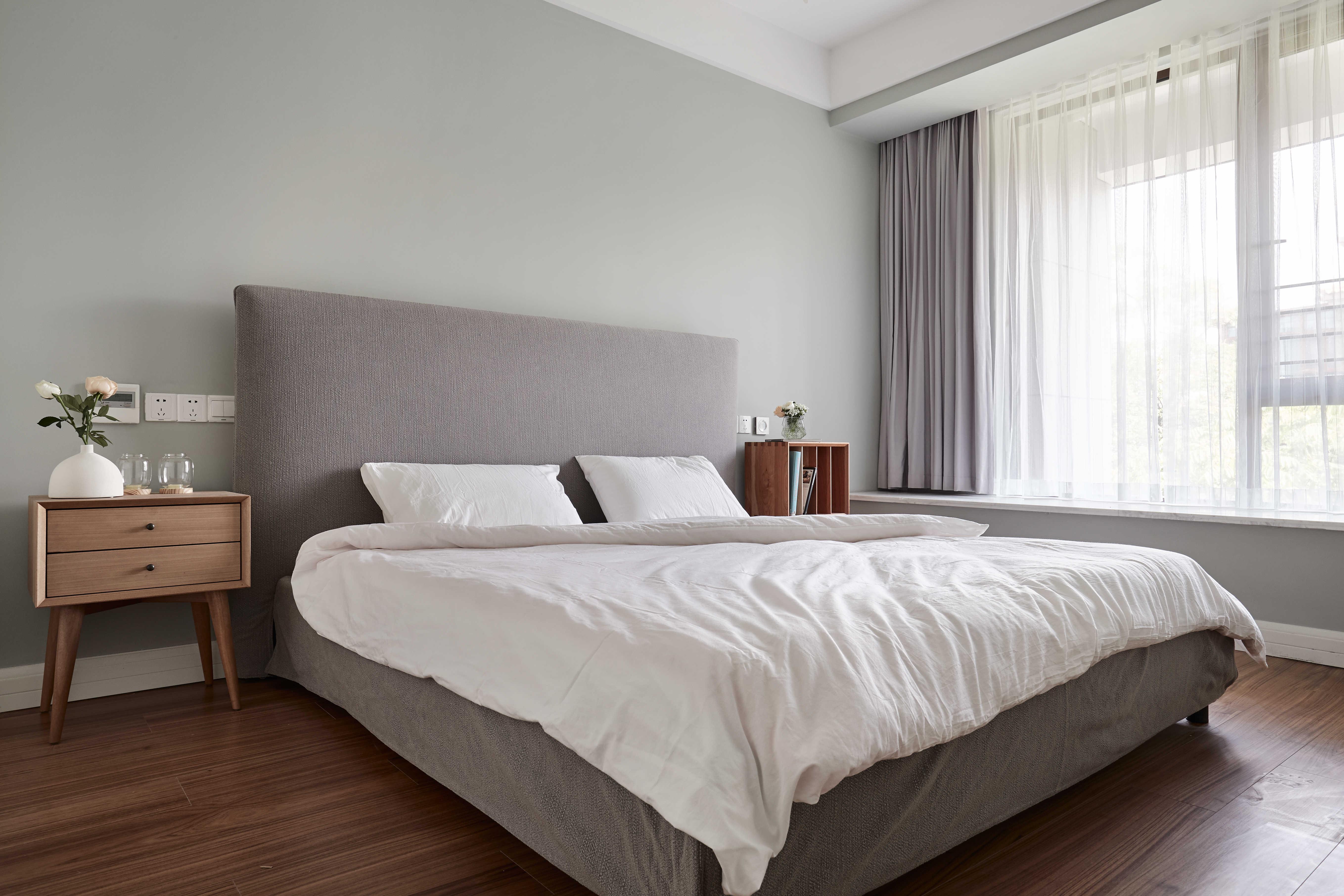 136平自然简约风卧室装修布置图