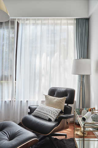 简约休闲三居室装修休闲躺椅布置图