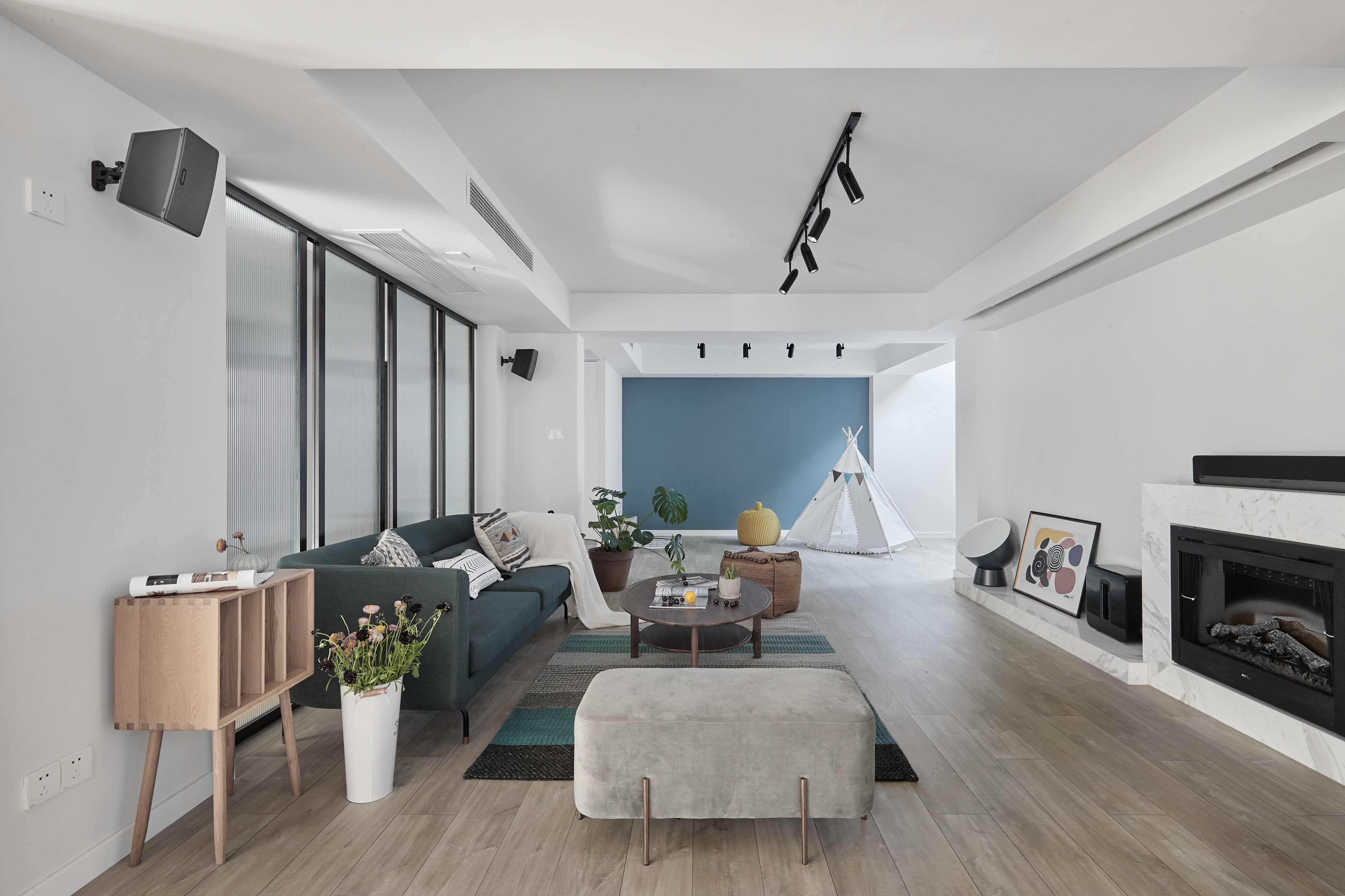 简约休闲三居室客厅装修设计图