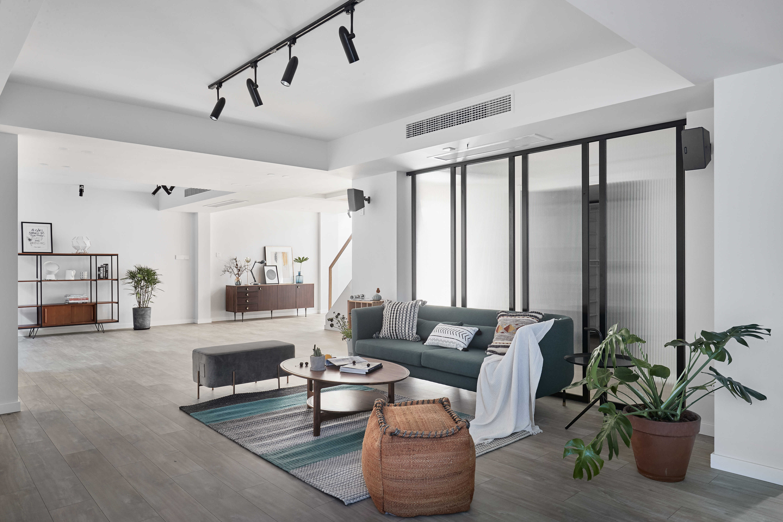 简约休闲三居室客厅吊顶装修效果图