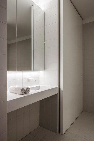 简约北欧风公寓装修卫生间洗手台设计图