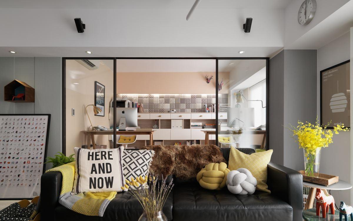 75平北欧风两居装修沙发设计图