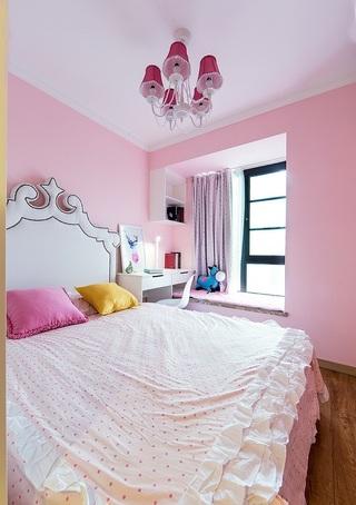90㎡现代简约三居粉色卧室装修搭配图