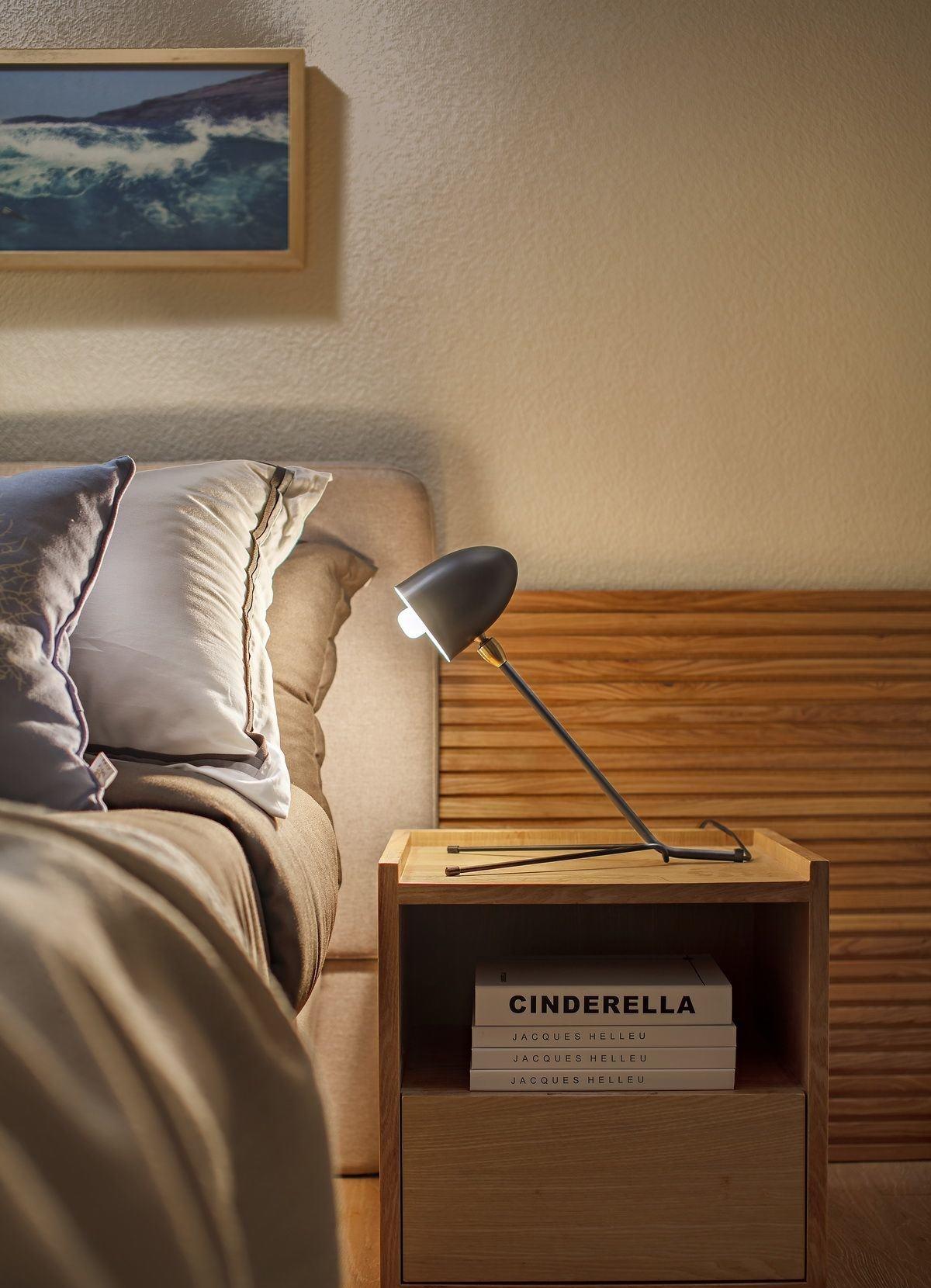 小户型北欧风两居室装修床头柜设计