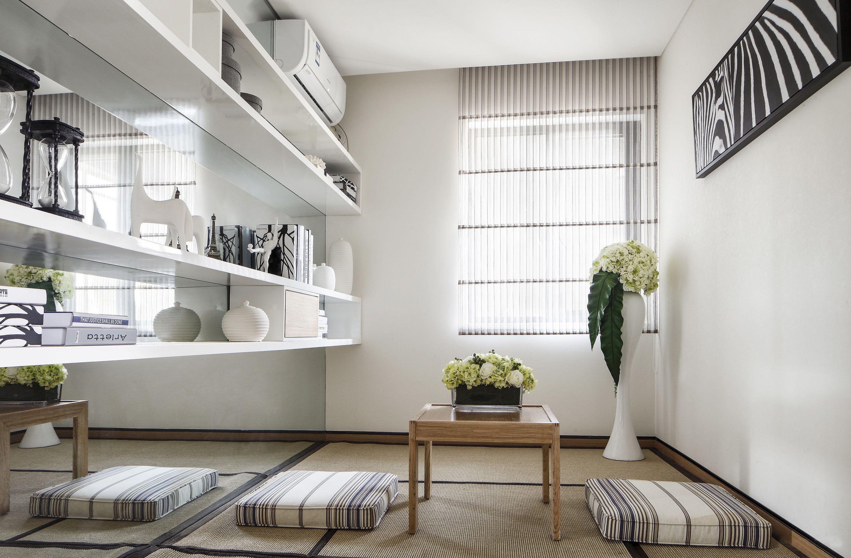 现代风格两居榻榻米休闲室装修效果图