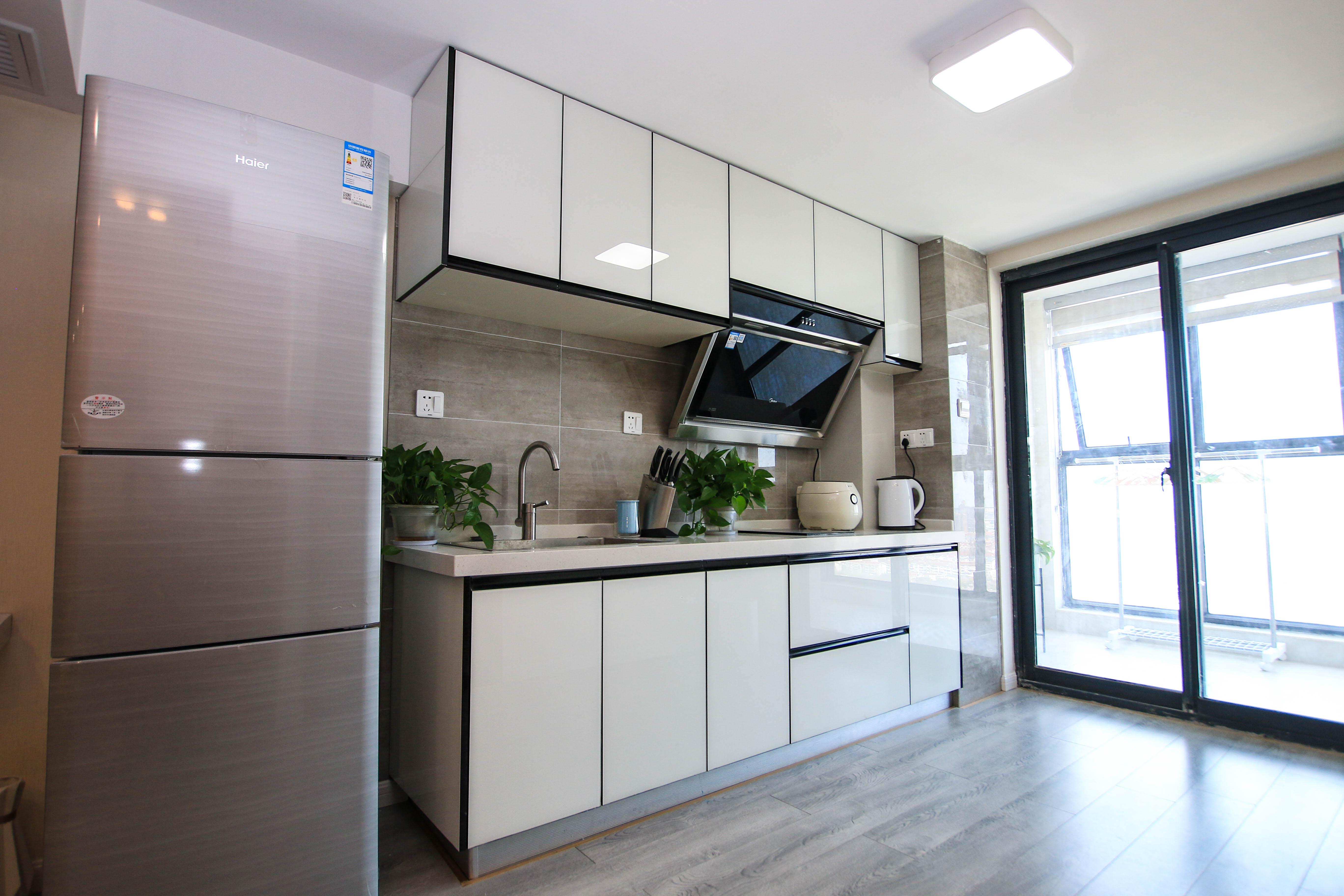 65㎡北欧风二居厨房装修布局图