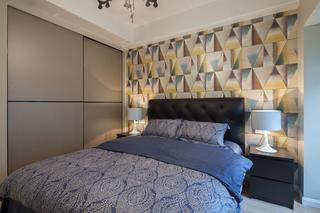 145平现代风格三居装修床头背景墙设计图