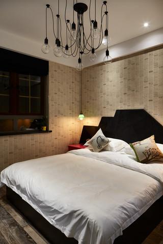 大户型复古风公寓卧室装修布置图