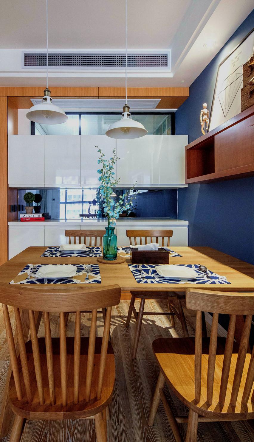 75平北欧风一居装修餐桌椅设计