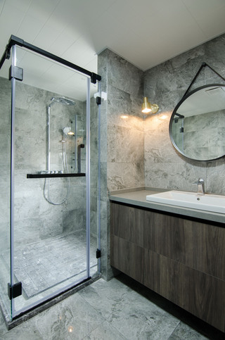 现代简约大户型卫生间装修效果图