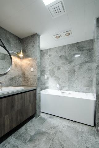 现代简约大户型装修浴缸设计