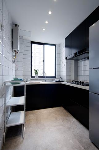 现代北欧风三居室黑白厨房装修搭配图