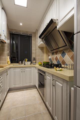 美式混搭三居室装修厨房布局图