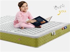 小孩可以睡乳膠床墊嗎 兒童乳膠墊購買注意事項