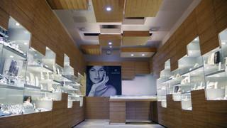 木质感珠宝店装修设计图