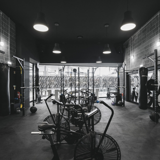 豪华工业风健身中心装修图