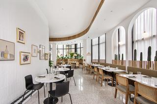 温馨简洁美食店装修设计图