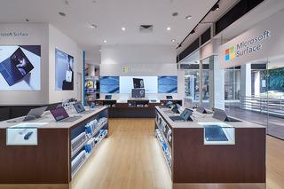 现代风格电脑店装修效果图