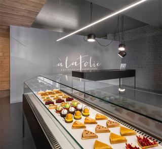 面包蛋糕展柜设计效果图