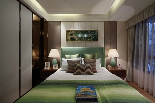 现代混搭风卧室背景墙装修效果图