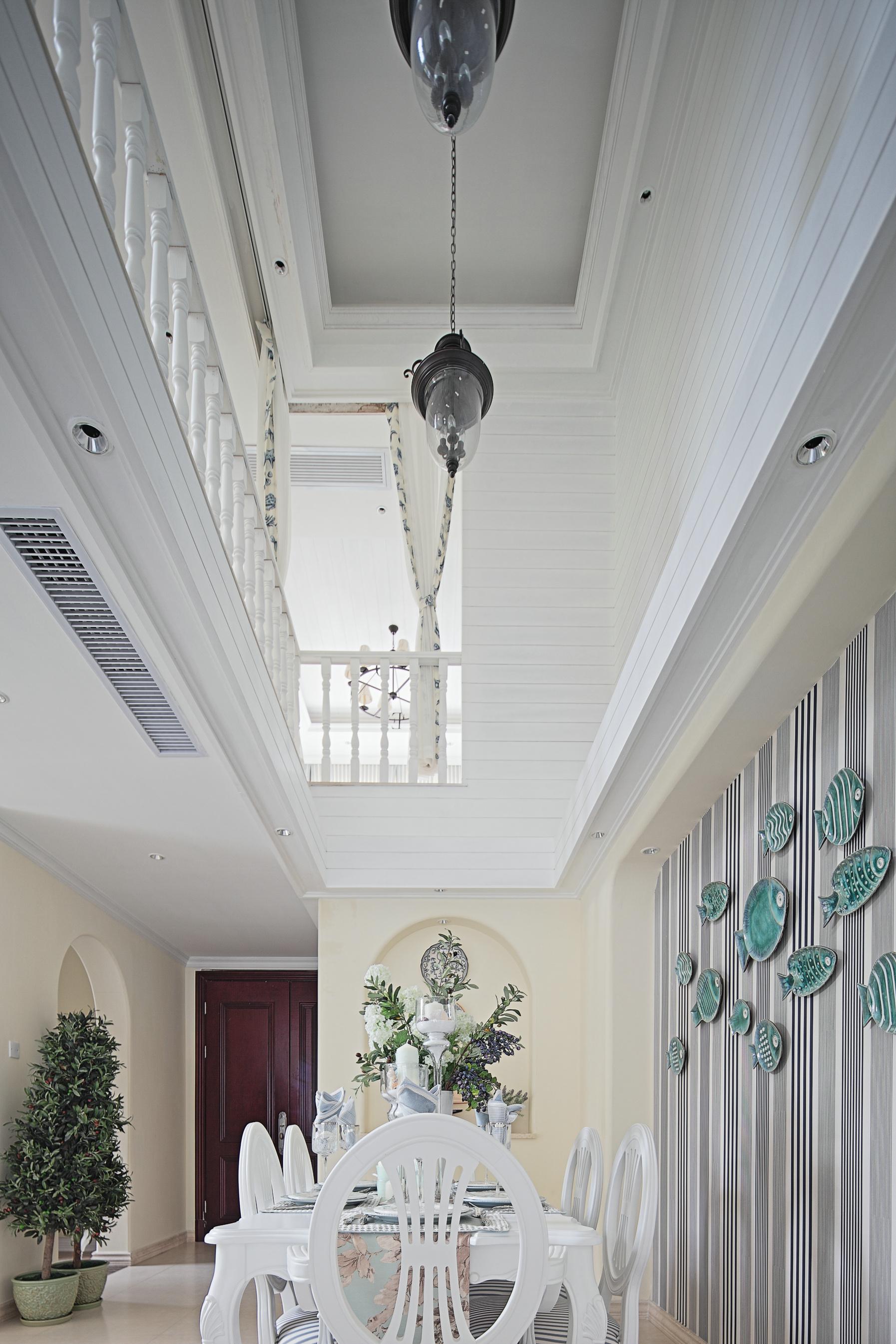 大户型地中海风格餐厅吊顶装修效果图