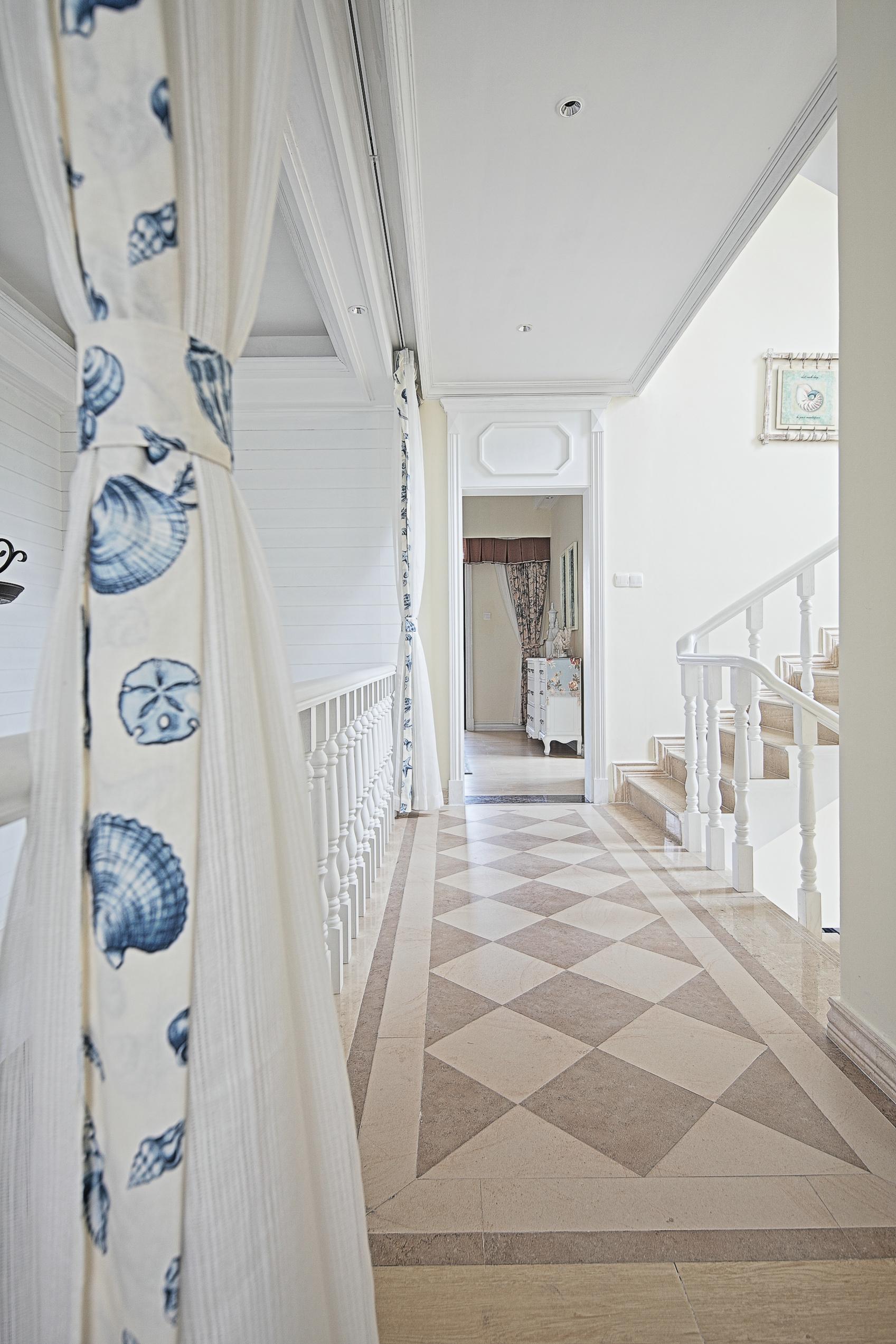 大户型地中海风格走廊装修效果图