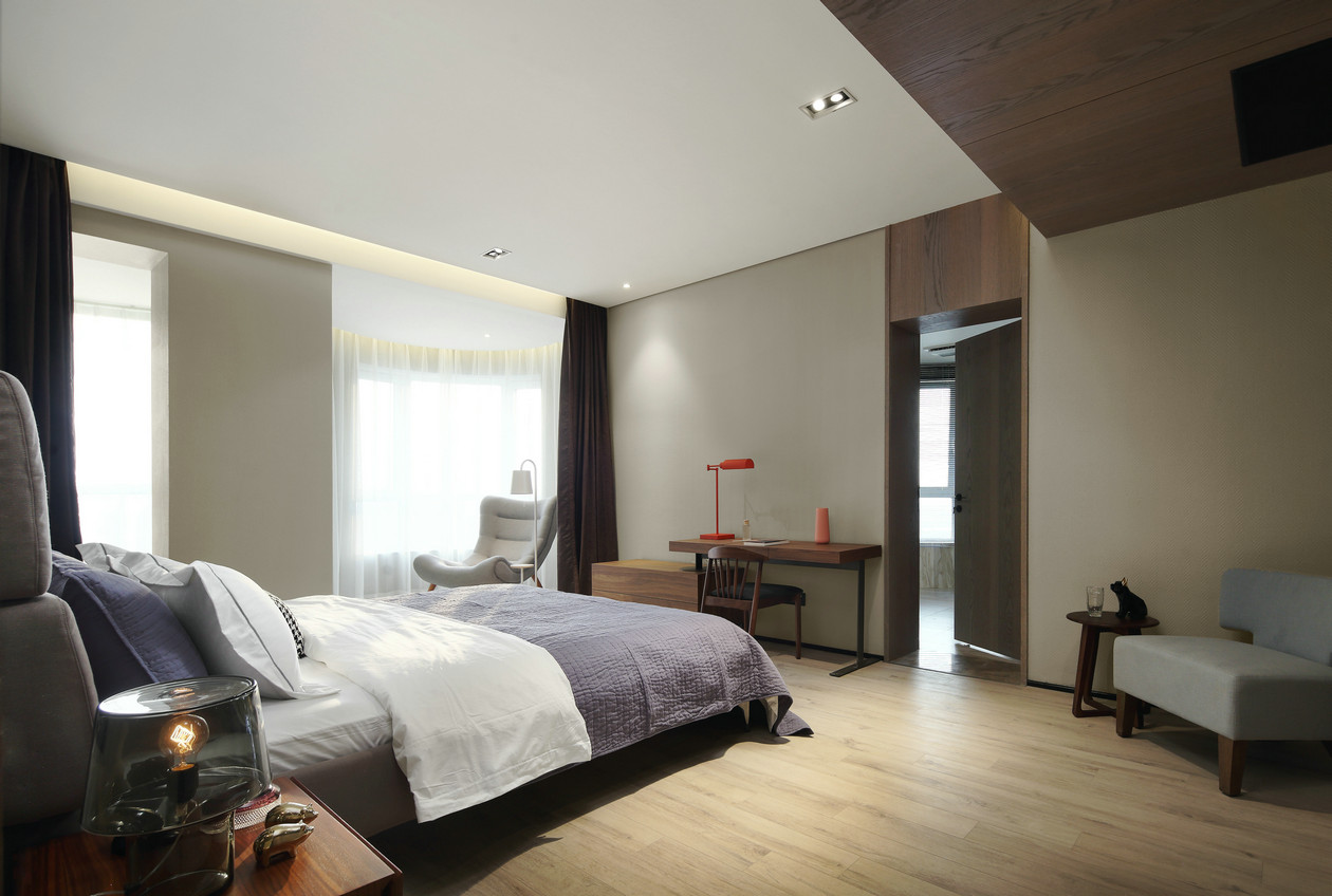 现代简约风大户型卧室吊顶装修设计图