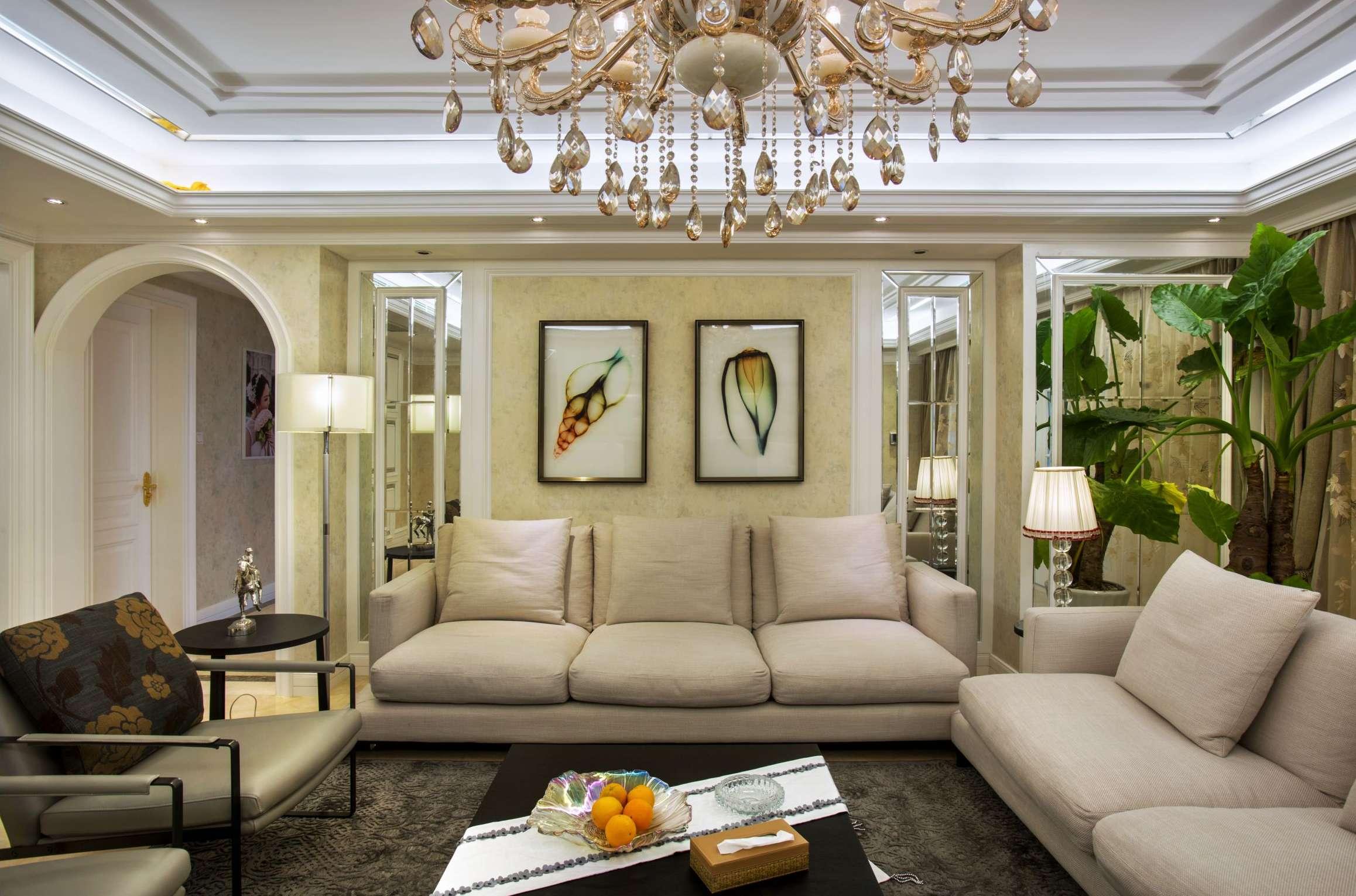大户型新古典风格沙发背景墙装修设计图