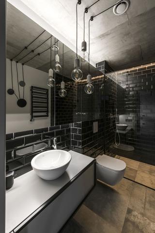 工业风格公寓卫生间装修效果图